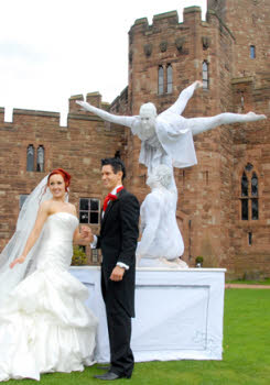 Human statues for weddings