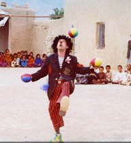 Yo Yo juggling for refugees