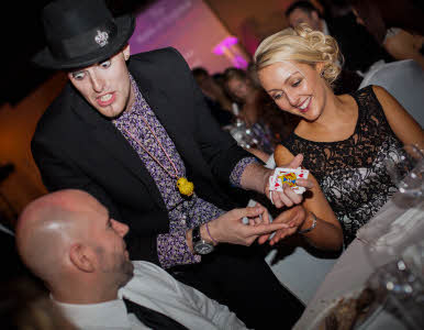Chris Cross Wedding magician