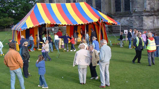 A circus workshop around the colourful tent