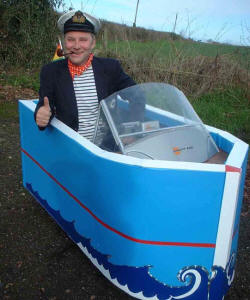 Bob motorised sailor walkabout act